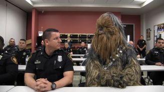 Chewbacca schult um: Ein Wookie bei der Polizei